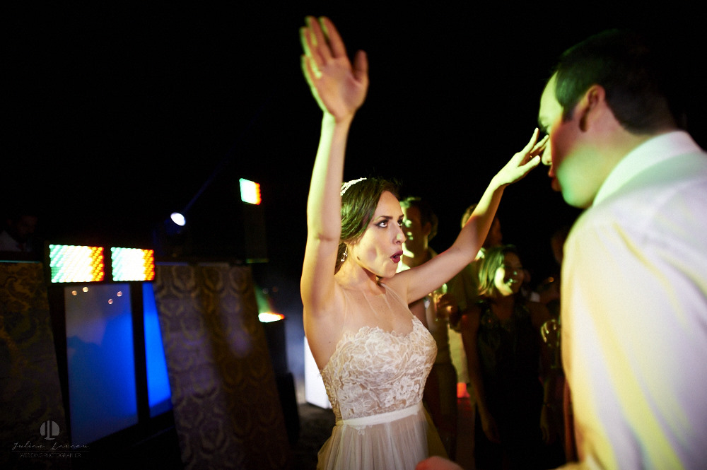 Professional wedding photographer - La Cruz de Huanacaxtle at Vallarta Gardens