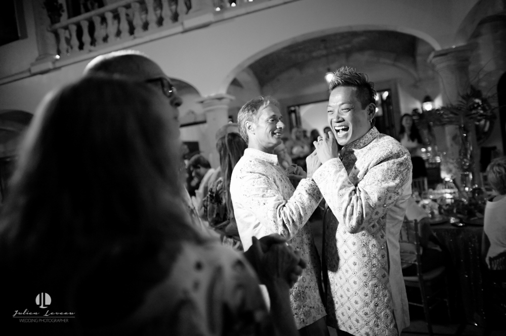 Professional photographer - LGBT Wedding in Puerto Vallarta - photo-journalist