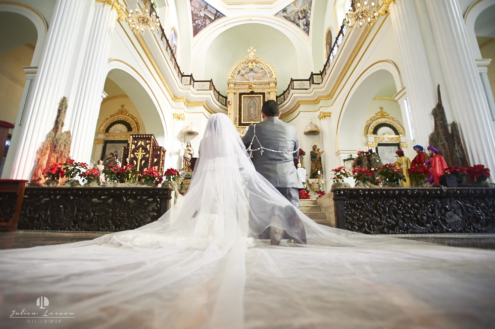 Professional Photographer - Wedding at Grand Velas Puerto Vallarta church ceremony