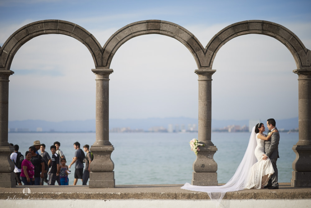 Professional Photographer - Wedding at Grand Velas Puerto Vallarta Los Arcos