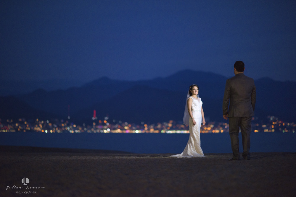 Professional Photographer - Wedding at Grand Velas Puerto Vallarta artistic shot