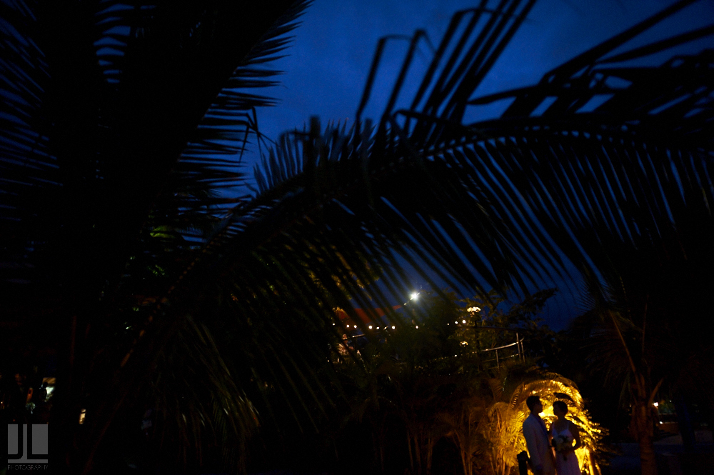 Professional wedding photographer - Real marriage in Sayulita - night photography