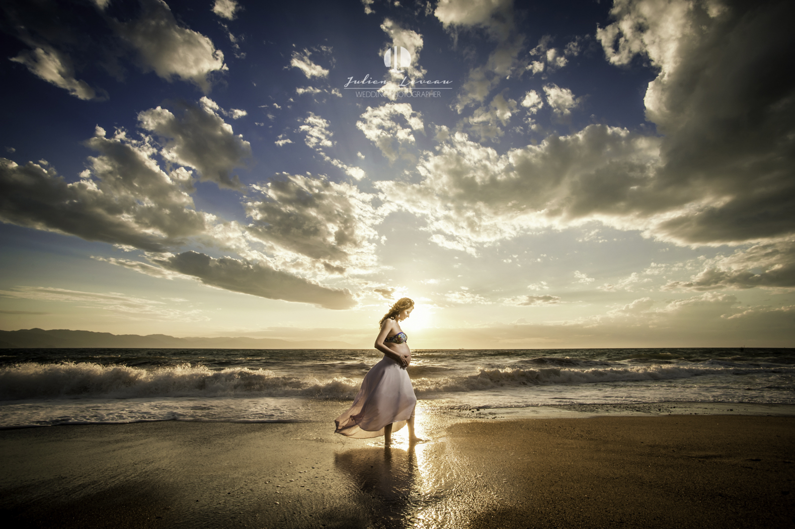 Pregnancy photo shooting on the beach in Puerto Vallarta