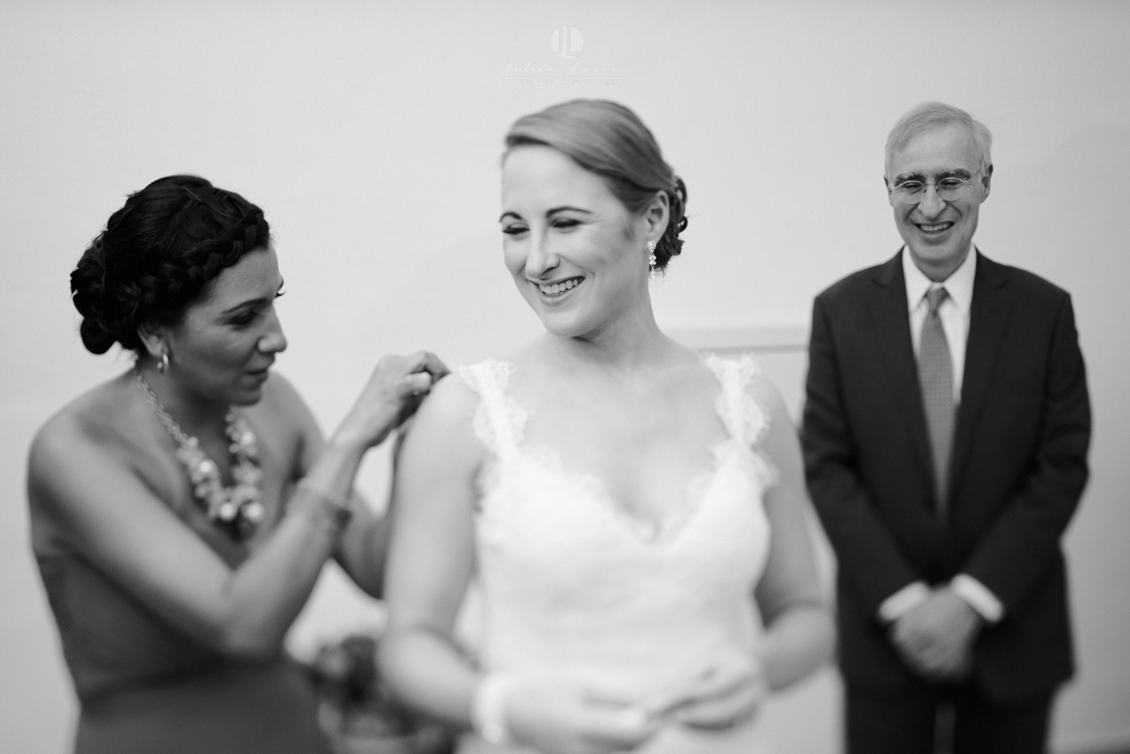 Wedding Photography - Bride and her parents before the wedding