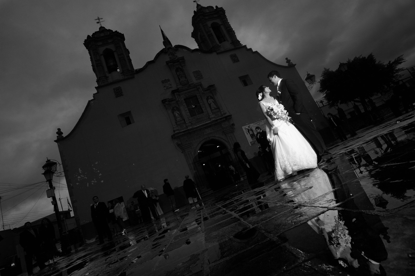 Wedding Photographer Puerto Vallarta - Photography in front of the church