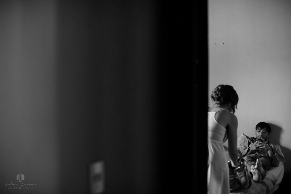 Wedding Photographer - Documentation at San Sebastian del Oeste, Jalisco - getting ready hotel room