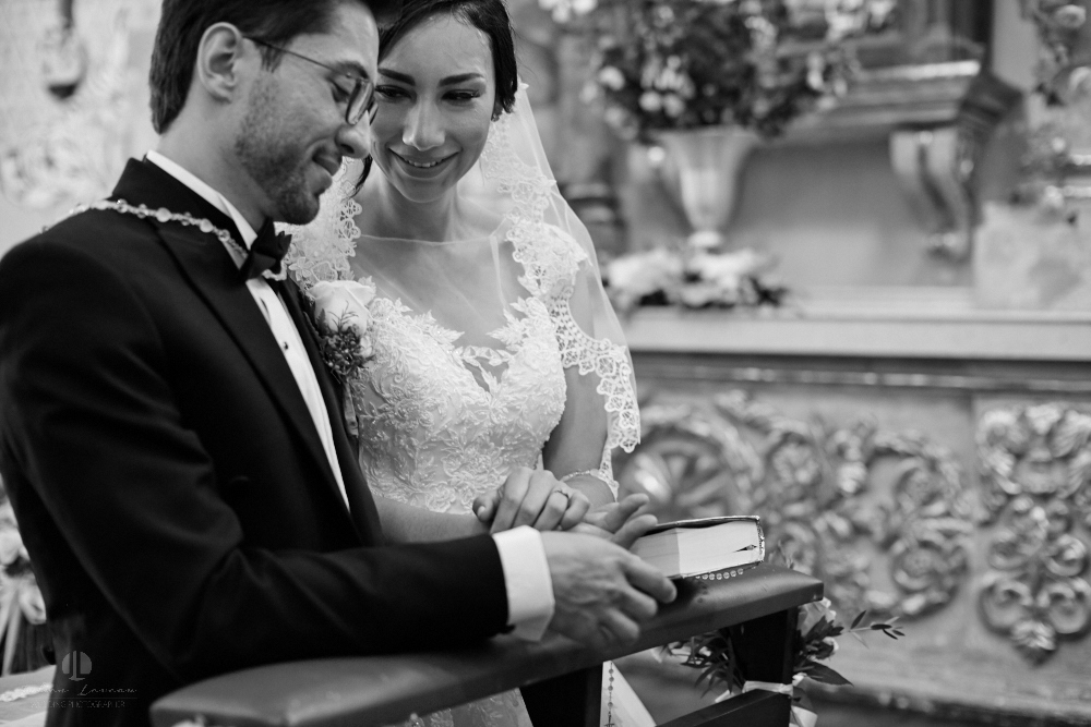 Wedding Photographer - Documentation at San Sebastian del Oeste, Jalisco - photo-journalism holly bible