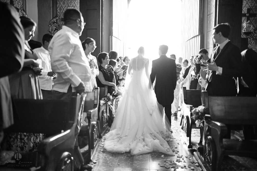 Wedding Photographer - Documentation at San Sebastian del Oeste, Jalisco - leaving church