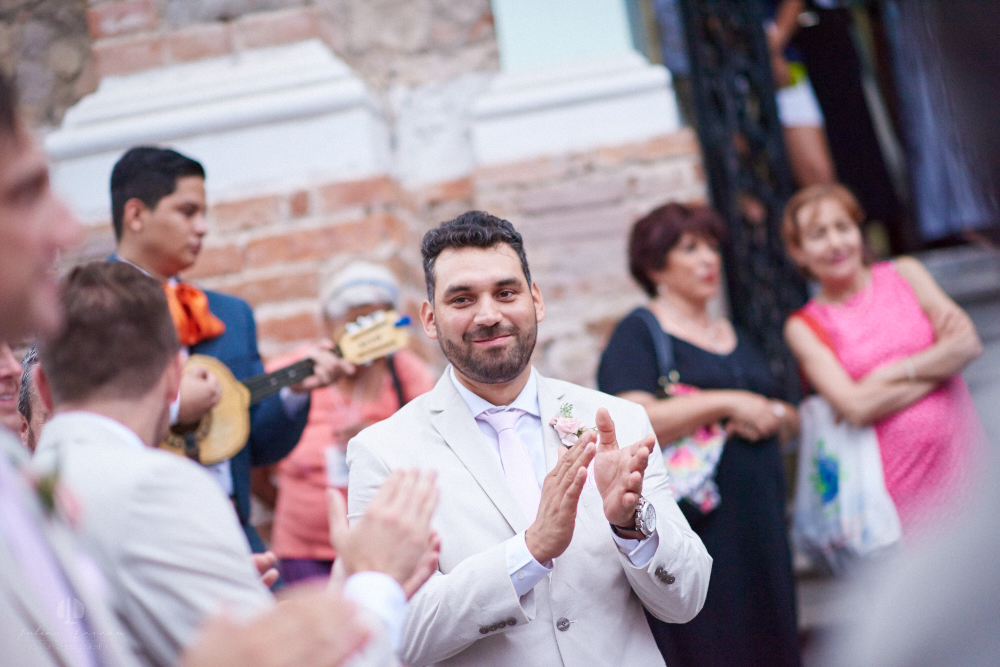 Professional Photographer in Puerto Vallarta - Real Wedding at Casa Karma - Ceremony applause