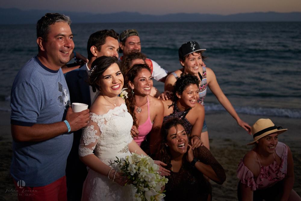 FOtógrafo Profesional en Nayarit, Boda en Bucerías - novia y su familia