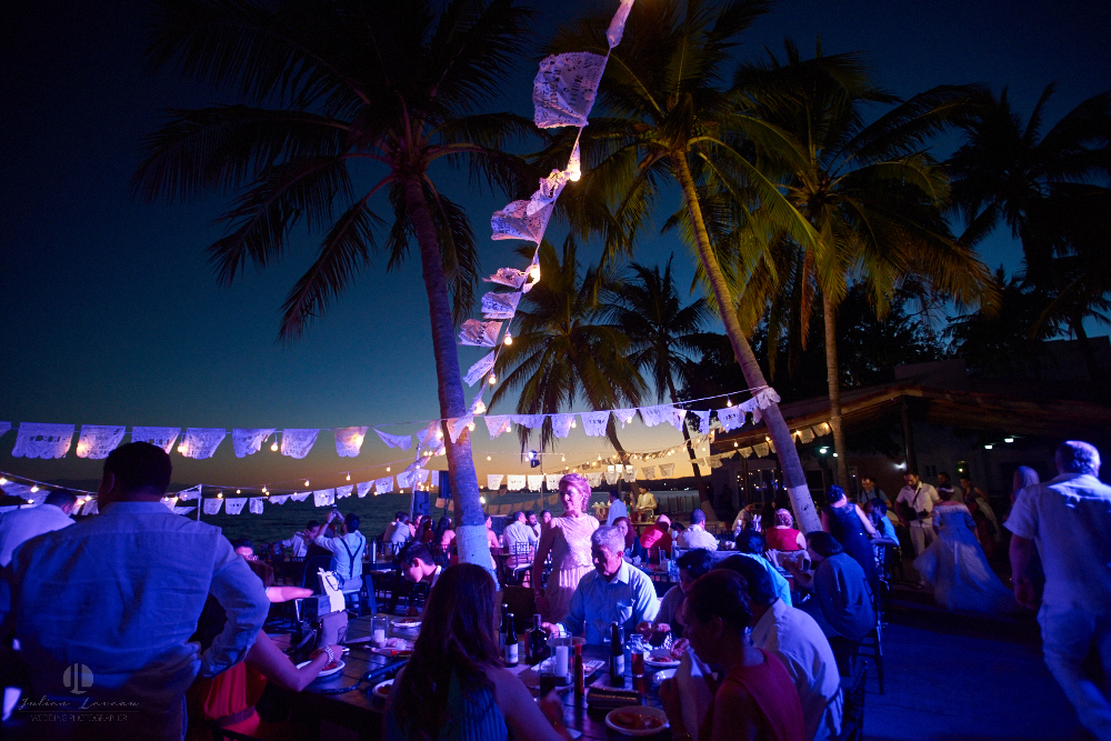 FOtógrafo Profesional en Nayarit, Boda en Bucerías - fiesta en la playa