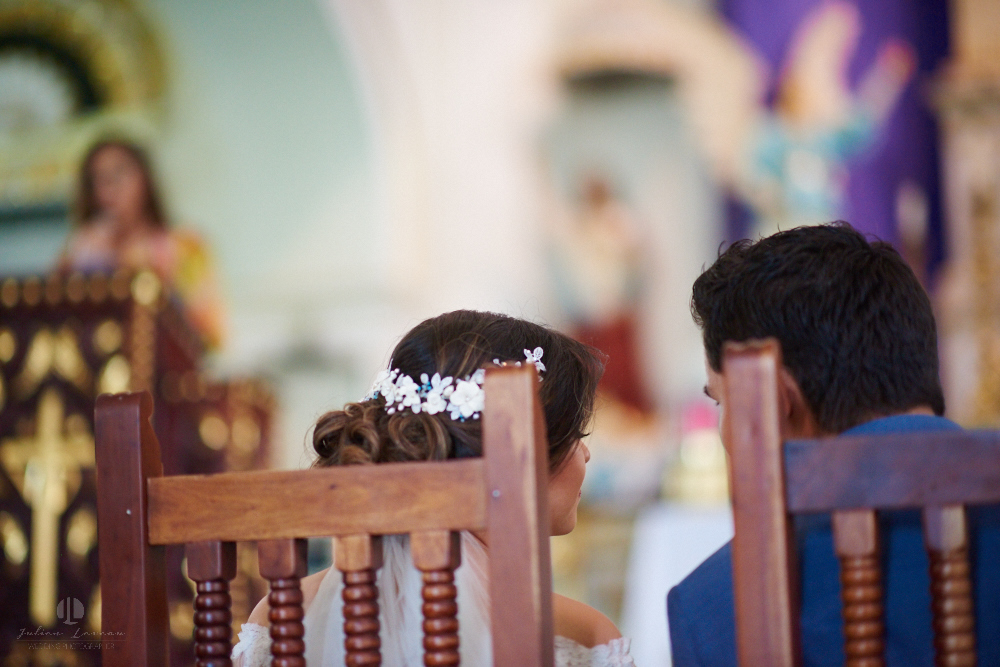 FOtógrafo Profesional en Nayarit, Boda en Bucerías - novios durante ceremonia