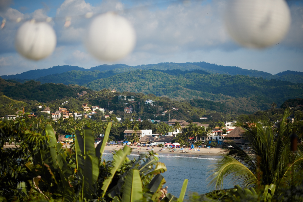 Professional Photographer in Sayulita, Nayarit - Destination Wedding Mexico - beach view