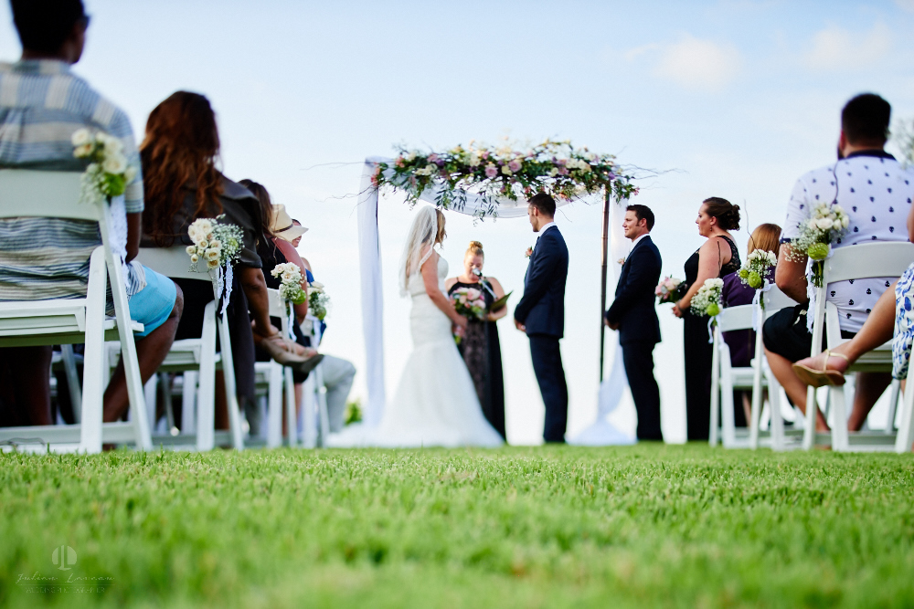 Professional Photographer in Sayulita, Nayarit - Destination Wedding Mexico - aisle on the grass