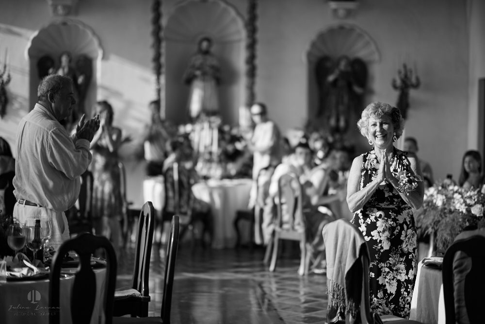 Professional wedding Photographer in Puerto Vallarta - Hacienda San Angel - wedding planner eventives dinner entrance