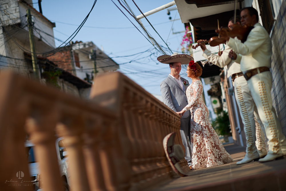 Professional wedding Photographer in Puerto Vallarta - Hacienda San Angel - artistic photography couple in the street