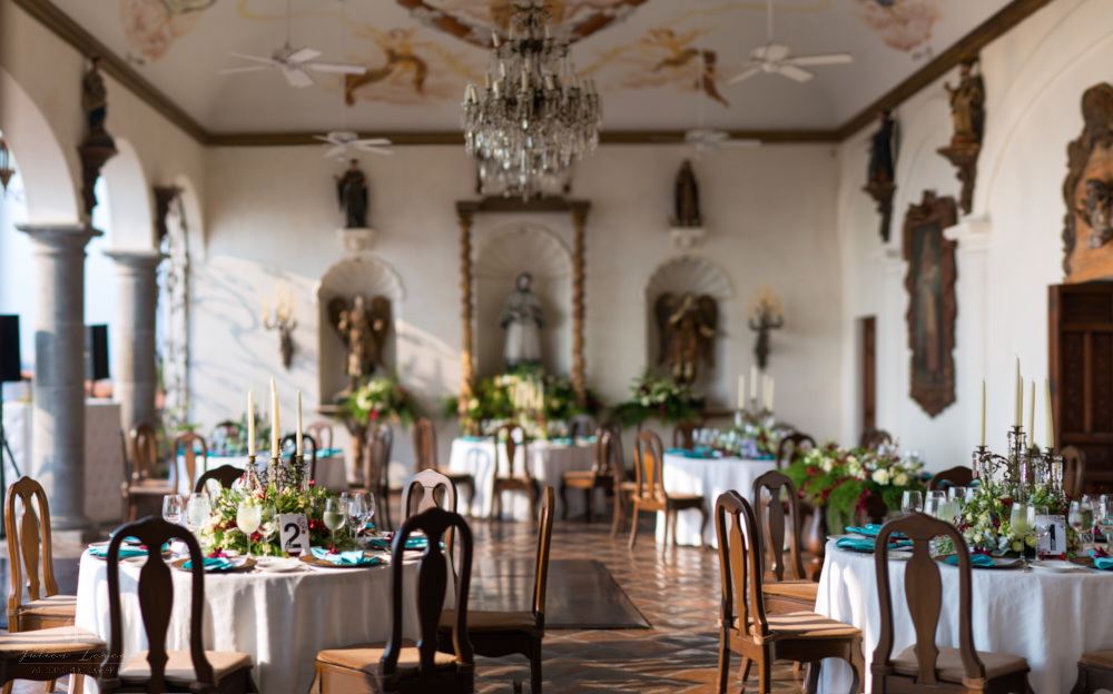 Professional wedding Photographer in Puerto Vallarta - Hacienda San Angel - wedding planner eventives dinner tables idea