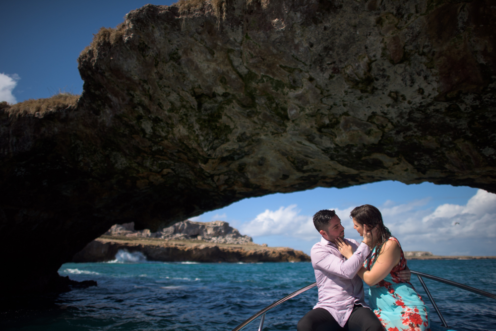 Wedding proposal on the Marietas Islands - on the boat
