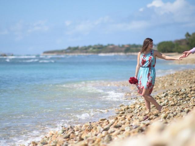 Trash the dress on Punta Mita's beach Nayarit