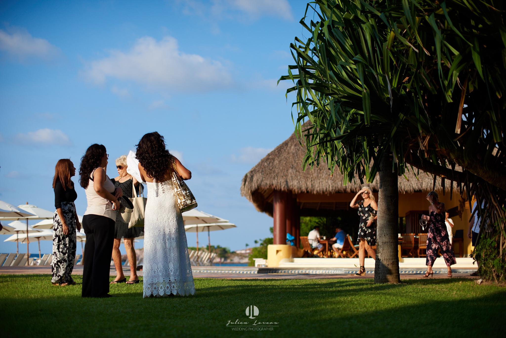 Punta Mita photographer - wedding at the beach club