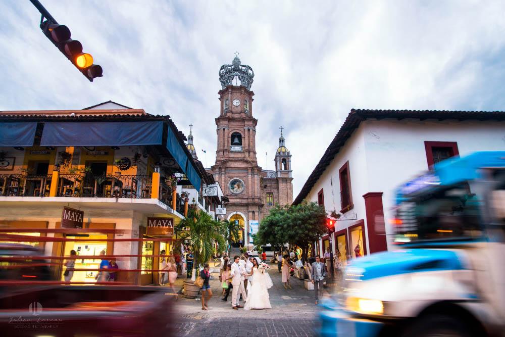 Professional Photographer in Puerto Vallarta - Real Wedding at Casa Karma - church moving cars