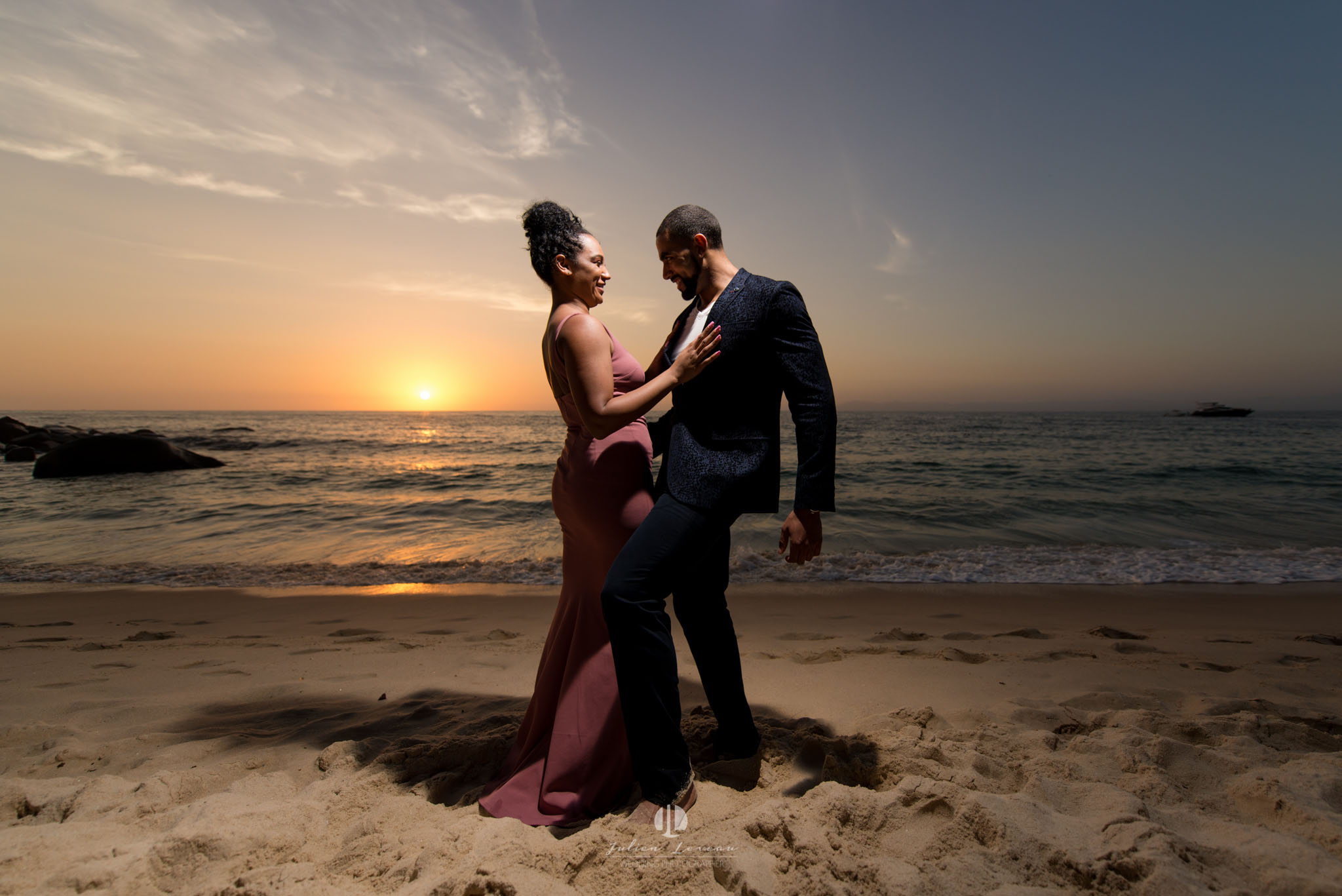 Engagement photo shoot in Puerto Vallarta - South Shore