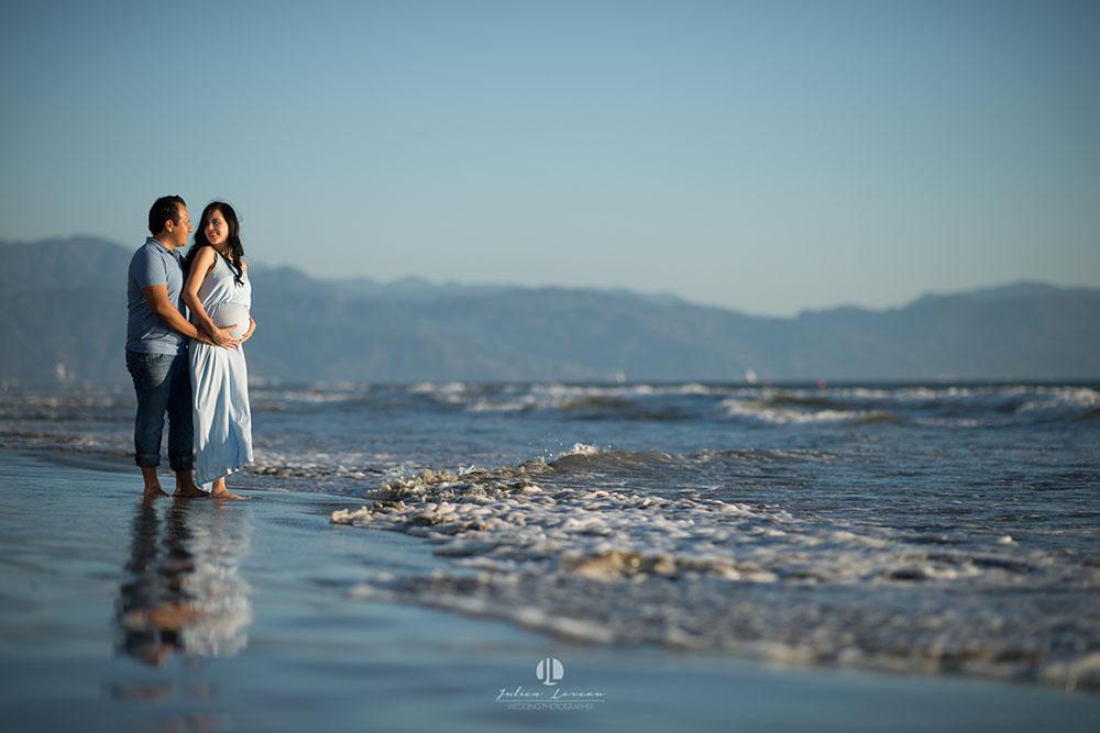 Maternity photo shoot in Puerto Vallarta