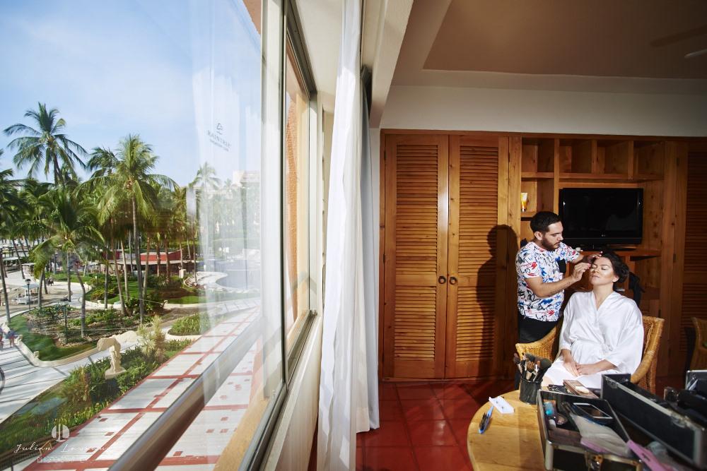 Destination wedding photographer - Real Marriage at the Westin Resort Vallarta - hair