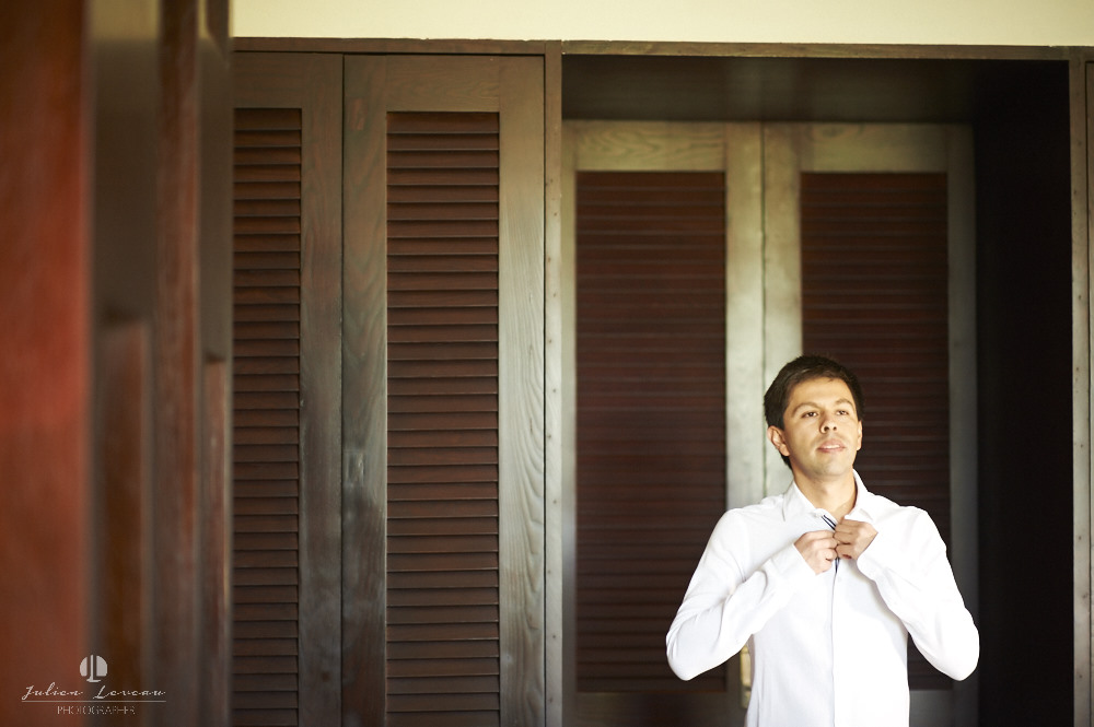 Wedding photographer - Hacienda San Pancho, Nayarit - getting ready groom