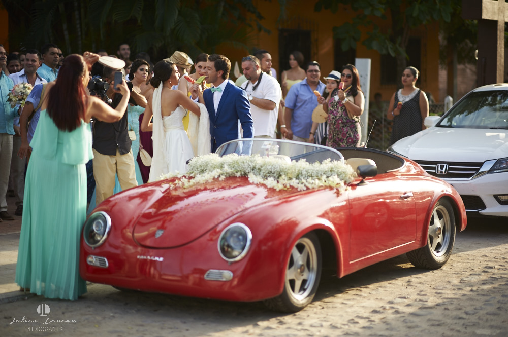 Wedding photographer - Hacienda San Pancho, Nayarit - car transport