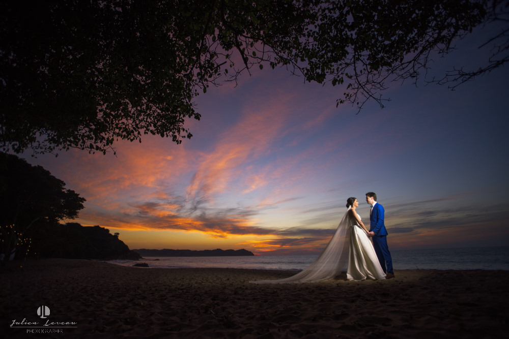 Wedding photographer - Hacienda San Pancho, Nayarit - sunset on the beach