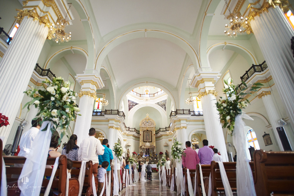 Professional Photographer - Wedding at Grand Velas Puerto Vallarta church Parroquia de Guadalupe