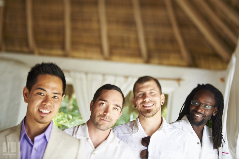Professional wedding photographer - Real marriage in Sayulita - Getting ready groom and best men