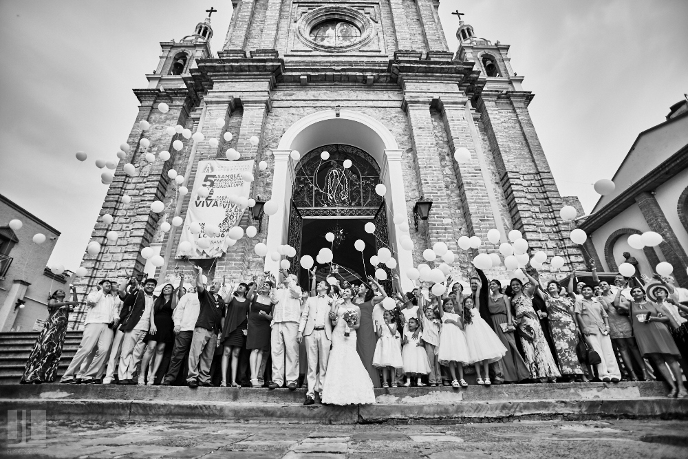 Professional wedding photographer - Marriage at Grand Mayan Palace - Puerto Vallarta's church