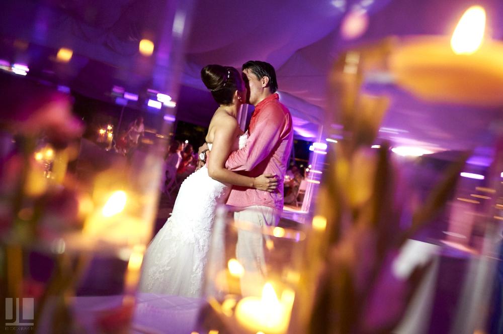 Professional wedding photographer - Marriage at Grand Mayan Palace, Nuevo Vallarta, Nayarit - fine art photography