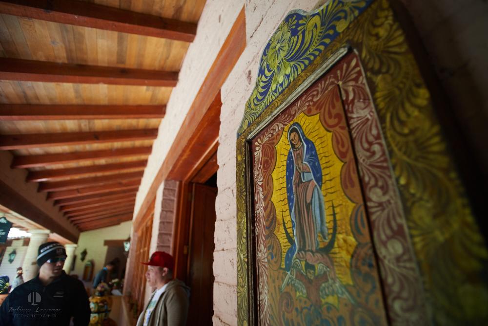 Professional Photographer – Romantic wedding at Sierra Lago, Jalisco, Mexico - religious virgen mary