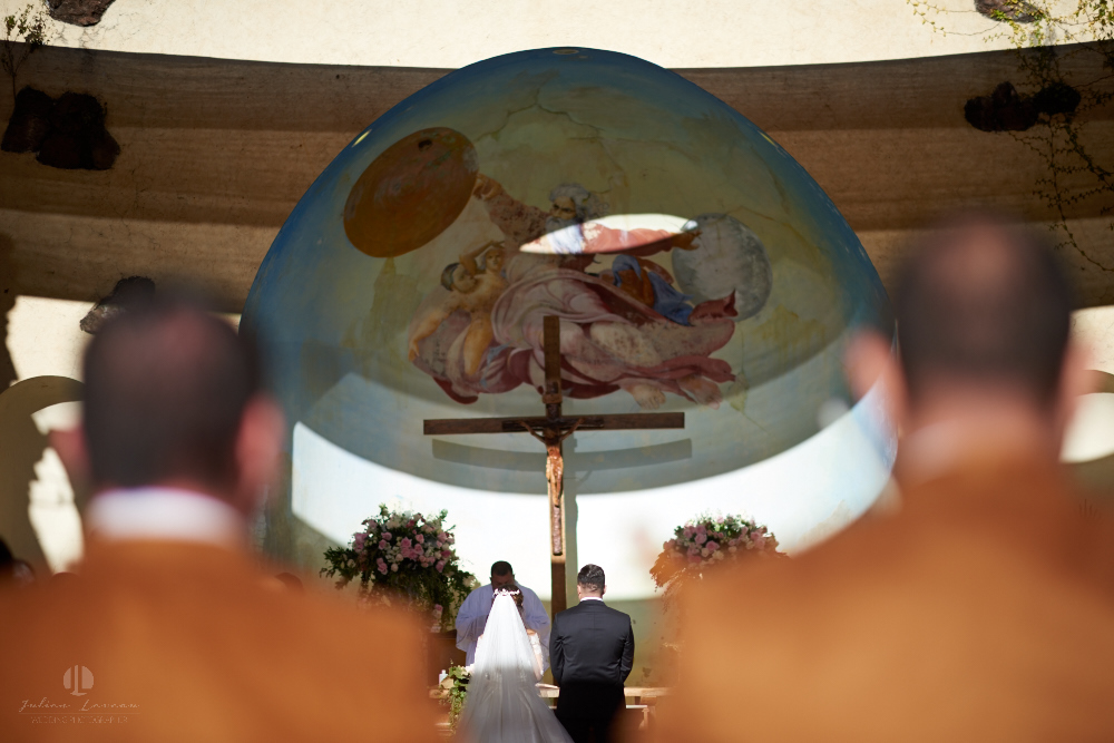 Professional Photographer – Romantic wedding at Sierra Lago, Jalisco, Mexico - catholic ceremony