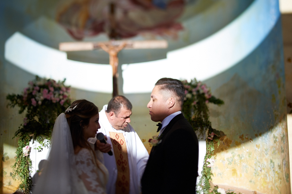 Professional Photographer – Romantic wedding at Sierra Lago, Jalisco, Mexico - priest and couple