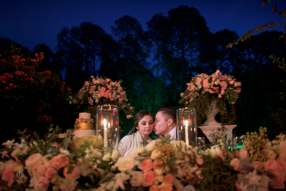 Professional Photographer – Romantic wedding at Sierra Lago, Jalisco, Mexico - kiss on the cheek