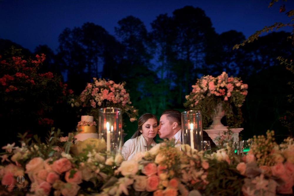 Professional Photographer – Romantic wedding at Sierra Lago, Jalisco, Mexico - kiss on the cheek
