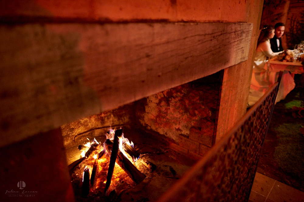 Professional Photographer – Romantic wedding at Sierra Lago, Jalisco, Mexico - wood fire