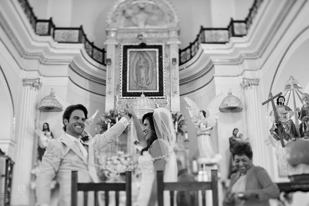 Professional Photographer in Puerto Vallarta - Real Wedding at Casa Karma - Ceremony winner