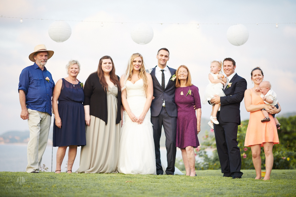 Professional Photographer in Sayulita, Nayarit - Destination Wedding Mexico - family picture