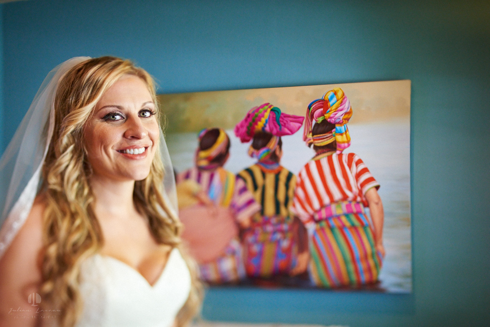 Professional Photographer in Sayulita, Nayarit - Destination Mexico - Getting ready Photo-journalism bride and paintings
