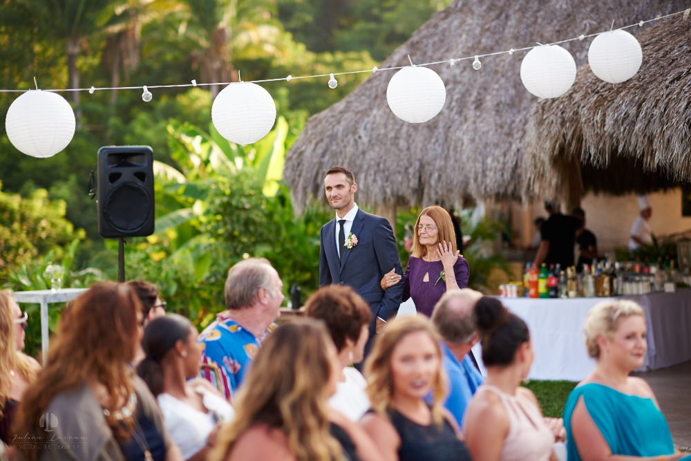 Professional Photographer in Sayulita, Nayarit - Destination Wedding Mexico - groom entrance with mom