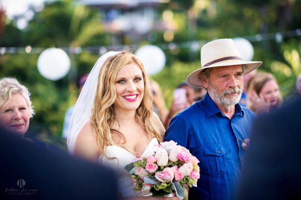 Professional Photographer in Sayulita, Nayarit - Destination Wedding Mexico - bride waiting