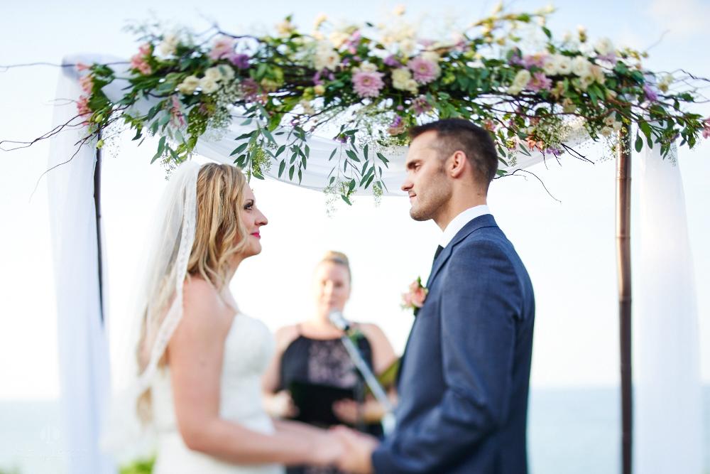 Professional Photographer in Sayulita, Nayarit - Destination Wedding Mexico - couple holding hands