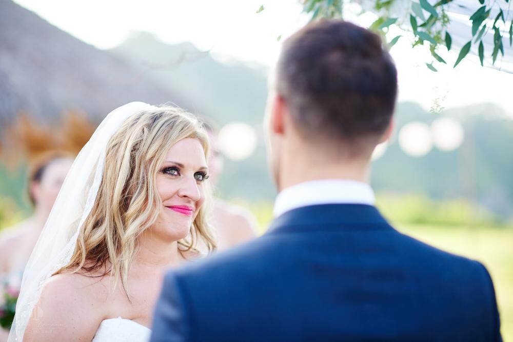 Professional Photographer in Sayulita, Nayarit - Destination Wedding Mexico - bride's look