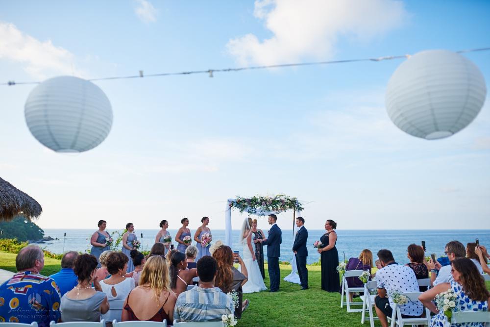 Professional Photographer in Sayulita, Nayarit - Destination Wedding Mexico - vows beachfront