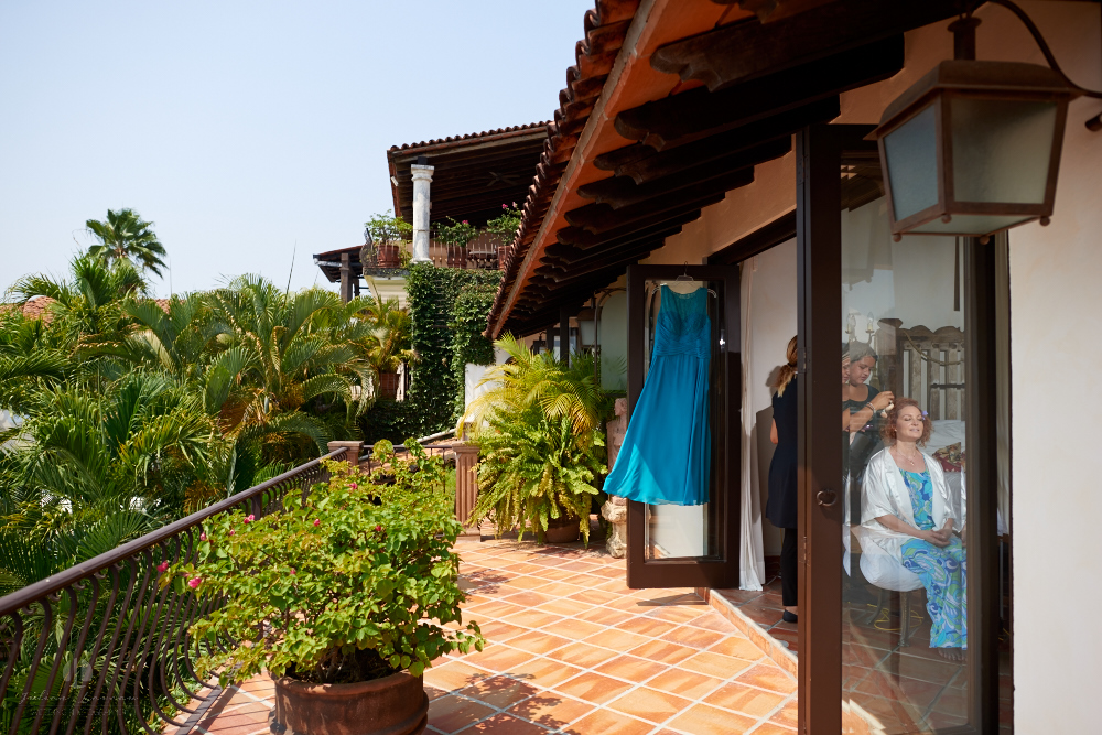 Professional wedding Photographer in Puerto Vallarta - Hacienda San Angel - getting ready